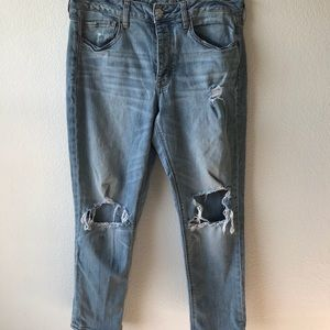 American Eagle tomgirl distressed jeans sz 12